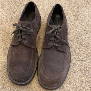 Banana republic men's suede brown shoes